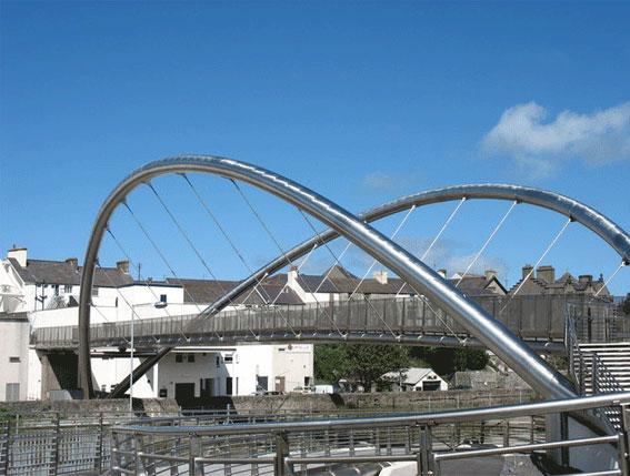 the 15 tonne duplex grade 2304 stainless steel footbridge compared to mild steel